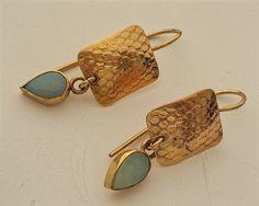 Opal gold earrings 18k gold earrings fine gold by OakaTitan