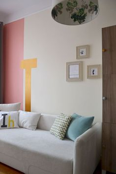 """Baby's room: gold letter """"I"""" like Irene :*"""