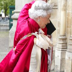 Pin for Later: Look How Queen-y the Queen Was Today