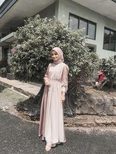 Model Baju Hijab, Kebaya Hijab, Kebaya Dress, Dress Pesta, Dress Brokat Muslim, Dress Brokat Modern, Kebaya Modern Dress, Hijab Dress Party, Hijab Gown