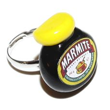 MARMITE RING!!! MUST BUY Punky Allsorts Marmite, Food Gifts, Sweet Recipes, Hate, English, Ring, Accessories, Black, Jewelry
