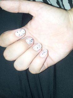 Branca com glitter colorido by hits
