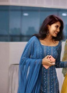 Best 12 Fine floral prints to fill ur day with zeal n zest! Simple Kurta Designs, New Kurti Designs, Salwar Designs, Kurta Designs Women, Stylish Dress Designs, Kurti Designs Party Wear, Designs For Dresses, Stylish Dresses, Indian Fashion Dresses