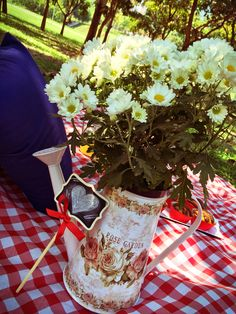 Flowers at picnic