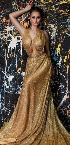 Glamour Photo, Gold Sparkle, Beautiful Women, Couture, Formal Dresses, Lady, Clothes, Photos, Fashion