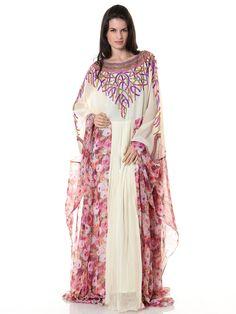 سحر المرأة العربية بجلابية وثوب رائع بألوان وردية ورسوم بعيدة عن التكلف على موقع سكر للتسوق www.sukar.com