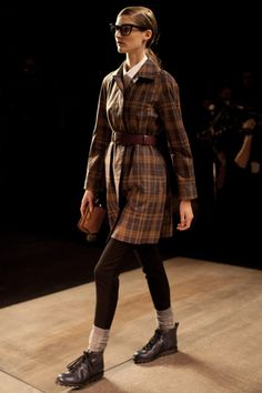 belted, plaid trench..yes!!