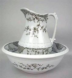 A WEDGWOOD BROWN PRINTED  MALTESE: PATTERN WASH BASIN AND PITCHER