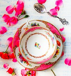 ٩(꒰❤♔ ✄ ◑◡◐✄♔❤꒱) ༘ Rose Tea by SusanNajarianArt