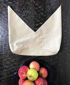How to Sew a Bento Bag - Zero-Waste Chef - Sarah Stockler - conscious Bag Pattern Free, Bag Patterns To Sew, Sewing Patterns Free, Bento Bag, Origami, Diy Sac, Bread Bags, Diy Cutting Board, Produce Bags