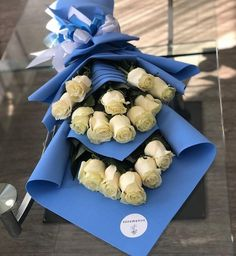 Funeral Flower Arrangements, Modern Flower Arrangements, Funeral Flowers, Birthday Balloon Decorations, Birthday Balloons, Flower Decorations, Types Of Flowers, Love Flowers, Flowers Roses Bouquet