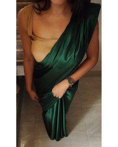 Bottle Green Saree, Bridesmaid Saree, Satin Saree, Cotton Saree, Dress Indian Style, Indian Wear, Simple Sarees, Saree Trends, Stylish Sarees