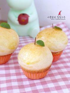 사과요리 :: 사과빵 만들기 ♥ 빵안에 달달한 사과조림이~ 오늘은 제가 실패 두번끝에 드디어 성공한 사과... Baby Food Recipes, Bread Recipes, Cooking Recipes, Korean Bread Recipe, Donuts, Bread Cake, Food Drawing, Rice Cakes, Tea Cakes