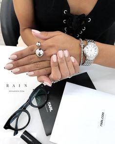 """460 Likes, 6 Comments - Irina Rain (@irina_rain) on Instagram: """"На кончиках пальцев. Пробуждение к жизни. Увядание к бесчувствию. Страсть и трепет. Конец и начало.…"""""""