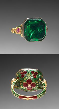 Ring, 18th century, India, gold, enamel and imitation emerald, Diameter - w:2.60 cm (w:1 inches).