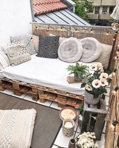 101 Most Inspiring Sunroom Decorating Ideas You Will Love - Once you have your sunroom completed, then the hard part of the job starts the decorating. You may have some sunroom decorating ideas in mind but once. Small Balcony Decor, Small Balcony Design, Outdoor Balcony, Small Balcony Furniture, Terrace Design, Outdoor Patio Curtains, Pallet Couch Outdoor, Diy Pallet Couch, Outdoor Furniture Plans