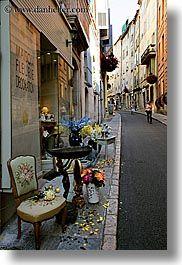 images/Europe/France/Provence/Grasse/chair-on-sidewalk-1.jpg