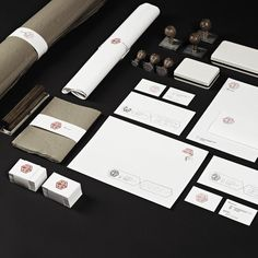Rich and strong stationary design for RAAD, an Architeture and Interior Design studio.