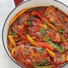 Poulet aux poivrons, oignons et tomates Chicken with peppers, onions and tomatoes Chicken Peppers And Onions, Chicken Stuffed Peppers, Carne, Cooking Time, Cooking Recipes, Healthy Dinner Recipes, The Best, Chicken Recipes, Food Porn