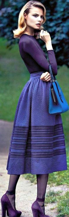 Roxo com azul = cores irmãs.