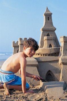 nette Tipps zum Bauen einer großen coolen Sandburg ...