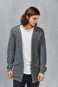 Thing Thing Oversized Cardigan - Urban Outfitters Style Gentleman, Tenue  Décontractée Pour Homme, Tenues bbd47fd138ef