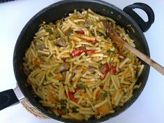 https://gulosoqb.blogspot.pt/2017/06/macarrao-no-wok-com-legumes-e-carne-wok.html