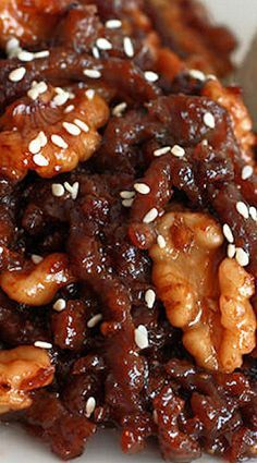 Chinese Honey-glazed Beef and Walnuts - The Daring Gourmet - Healthy Beef Recipes Chinese Beef Recipes, Asian Recipes, Chinese Food, Chinese Desserts, Chinese Walnut Recipe, Gourmet Recipes, Cooking Recipes, Healthy Recipes, Drink Recipes