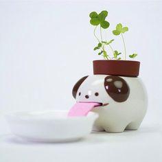Peropon Drinking Animal Planter - Dog - self watering plant pot