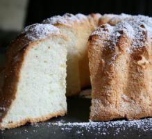 Recette - Le gâteau des anges - Proposée par 750 grammes pour utiliser des blancs d'oeufs :)