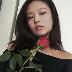 BLACKPINK- Jennie