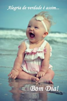 Baby kind, baby love, family at the beach, baby on So Cute Baby, Baby Kind, Baby Love, Cute Kids, Cute Babies, Beach Babies, Beach Kids, Cute Baby Smile, Beach Fun