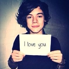 aww i love you to :) Harry Styles Lindo, Harry Styles Cute, Harry Styles Pictures, One Direction Pictures, I Love One Direction, Harry Edward Styles, One Direction Birthday, Harry Styles 2011, Holmes Chapel