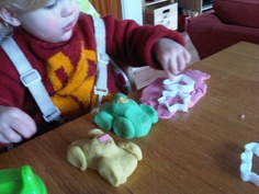 Little Super Sparks: Inventive Playdough