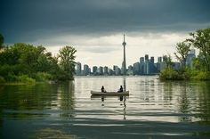 The most beautiful places in Toronto tend to be on the waterfront or part of our stunning ravine system, but despite the ever increasing density of. Beautiful Islands, Beautiful Places, Places To Travel, Places To Go, Downtown Toronto, Toronto Skyline, Toronto Island, Canadian Travel, Get Outdoors
