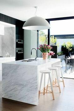 Modern Eat-In Kitchen Ideas (Kitchen design ideas in Decoration, Lighting, and Remodeling for eat-in kitchen style) New Kitchen, Kitchen Dining, Kitchen Decor, Kitchen Ideas, Awesome Kitchen, Kitchen Layout, Design Kitchen, Marbel Kitchen, Bar Stools Kitchen
