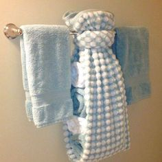 Affordable Towel Ideas For Best Bathroom Inspiration 20 Rustic Napkin Holders, Bathroom Towel Decor, Bath Decor, Bathroom Ideas, Decorative Hand Towels, Towel Animals, How To Fold Towels, Ideas Para Organizar, Bath Tiles