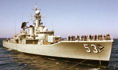 HMAS Torrens in about 1972 preparing for Jackstay Transfer with HMAS Anzac Navy Military, Military Wife, Navy Man, Us Navy, Ship Tracker, Australian Defence Force, Royal Australian Navy, Naval History, Armada