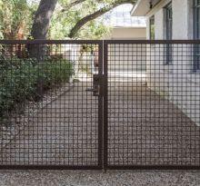 10 Genius Garden Hacks with Rusted Metal