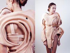 using other body parts as fashion 3d Fashion, Fashion Details, Fashion Design, Stage Beauty, Amsterdam Fashion, Human Human, Call Art, High Art, Powder Pink