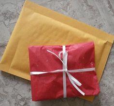 How to Package and Ship Jewelry - The Beading Gem's Journal- blogue de Pearl - Como embalar e fazer o envio de peças de bijutaria
