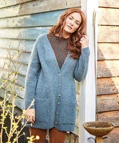 Kohopintainen neuletakki taskuilla – katso ohje! - Kotiliesi.fi Lisa Richardson, Knitting Patterns, Crochet Patterns, Super Bulky Yarn, Cardigan Pattern, Knit Vest, Knit Crochet, Crochet Sweaters, Tweed