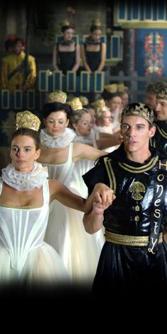 Jonathan Rhys Meyers as King Henry VIII with his sister Princess Margaret played by Gabrielle Anwar Tudor Costumes, Medieval Costume, Movie Costumes, Princess Margaret, Princess Mary, Tudor Series, Tv Series, Los Tudor, Elisabeth I