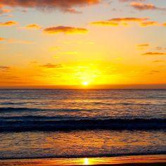 Got to wake up early to capture this sun. Apollo Bay Victoria Australia #sunrise #sunrises #sunrise_sunsets_aroundworld #ocean #australia #apollobay #victoria #nofilter #nofilterneeded #water #earlyrise #morning #goodmorning #photograph #earth #love #peace #live #life #outdoors #explore #traveller #backyard #orange #sky #skyporn by honua_olelo http://ift.tt/1LQi8GE