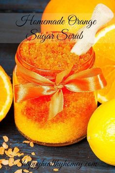 Homemade Orange Sugar Scrub helps to keep your skin soft and silky. The delicious orange smell is heavenly! Body Scrub Recipe, Diy Body Scrub, Sugar Scrub Recipe, Diy Scrub, Hand Scrub, Sugar Scrub For Face, Sugar Scrub Homemade, Sugar Scrubs, Homemade Soaps