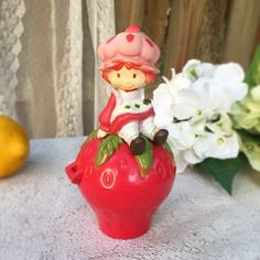 "Vintage 1981 Strawberry Shortcake Music Jewelry Box w/ Mirror, trinket, Fruit basket, ""Frère Jacques"", ""Are you sleeping brother john?"" toy"
