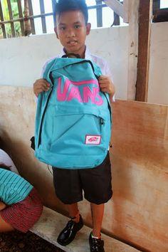 HHC 2014 Slums, School Supplies, Van, Backpacks, Children, Fashion, School Stuff, Young Children, Moda