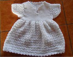 Robe de baptême - Explications dans le lien #crochet #bebe #layette