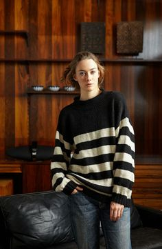 Oversized Striped Comfy Sweater By Jo Sharp - Free Knitted Pattern - (craftfoxes) Jumper Knitting Pattern, Jumper Patterns, Knitting Patterns Free, Free Knitting, Knitting Sweaters, Pullover, Sweater Design, Cebu, Comfy Sweater