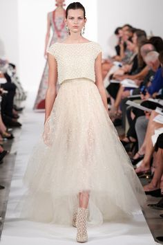Oscar de la Renta Spring 2014 Ready-to-Wear Collection Slideshow on Style.com